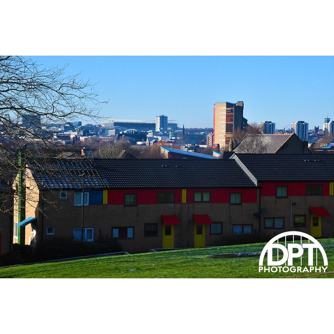 'Avondale Rise, Byker' - - - #dptphotography #photography #landscape #nikon #ig_byker #avondalerise #bykerwallestate #byker #newcastleupontyne #suburbanarchitecture #architecture #townplanning #ralpherskine #brutalism #colour #picoftheday #photooftheday #bbcneandcumbria
