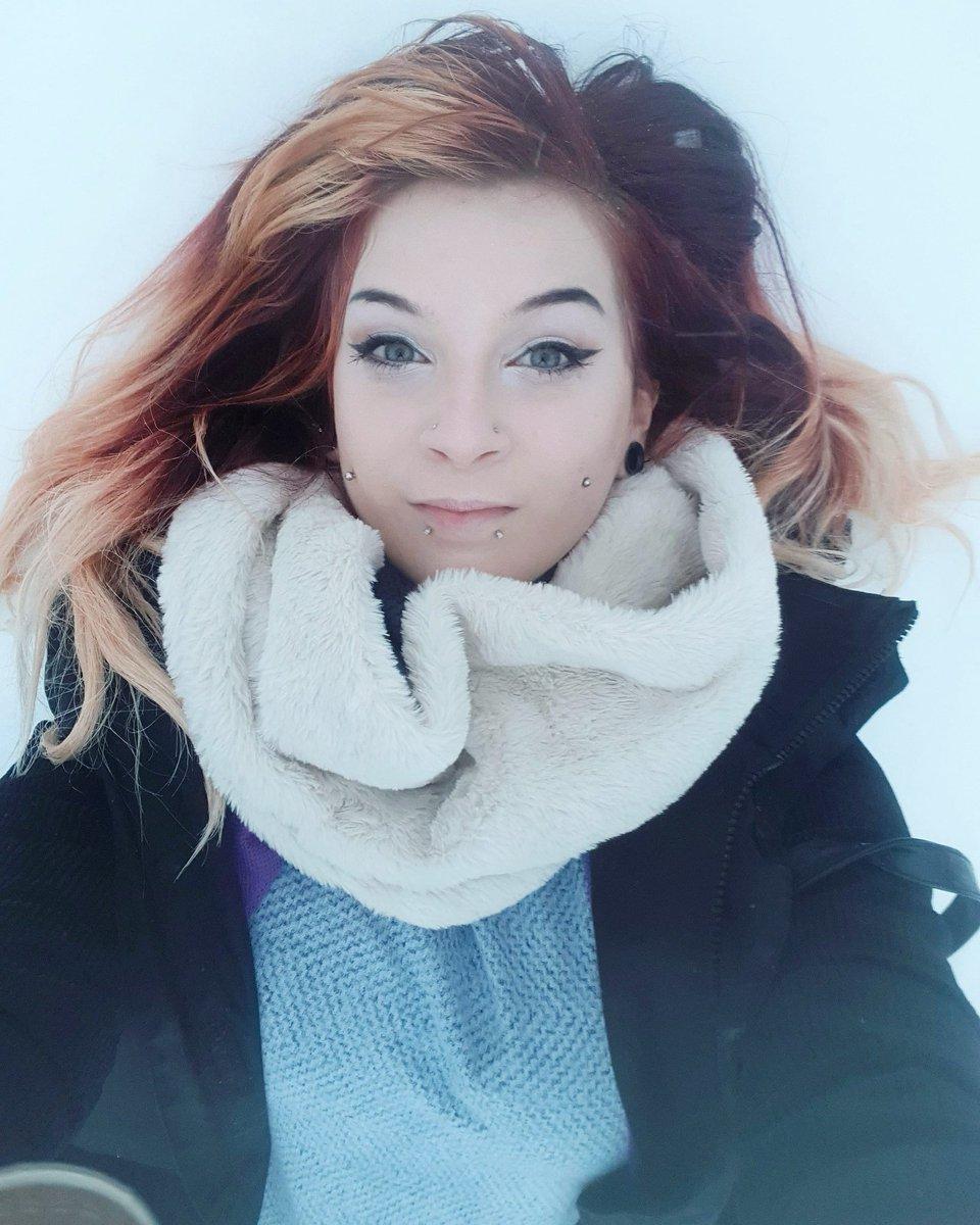 Snow bed☁️   #wales #llanboidy #uk #snow #snowday #piercings #angelic #eyes