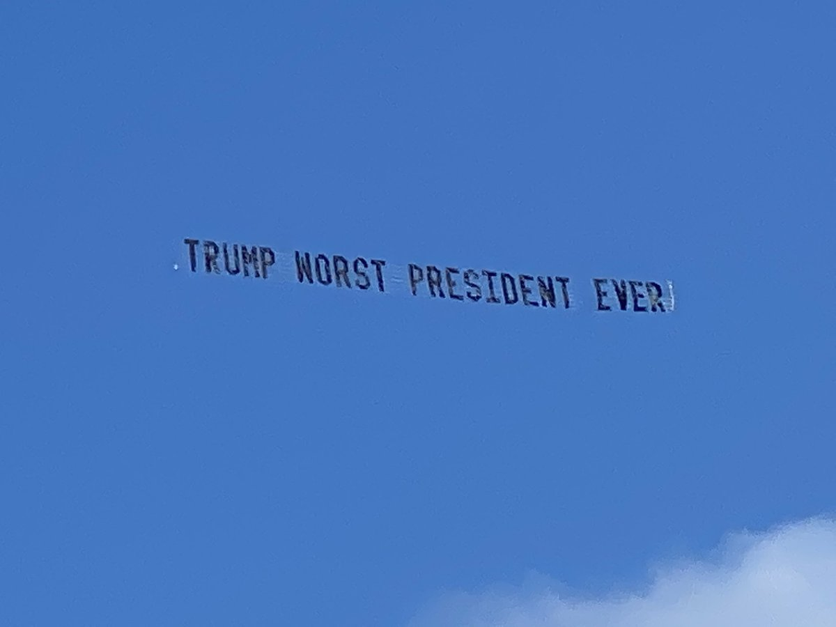 Trump is getting warm welcome from the skies near Mar-a-lago today