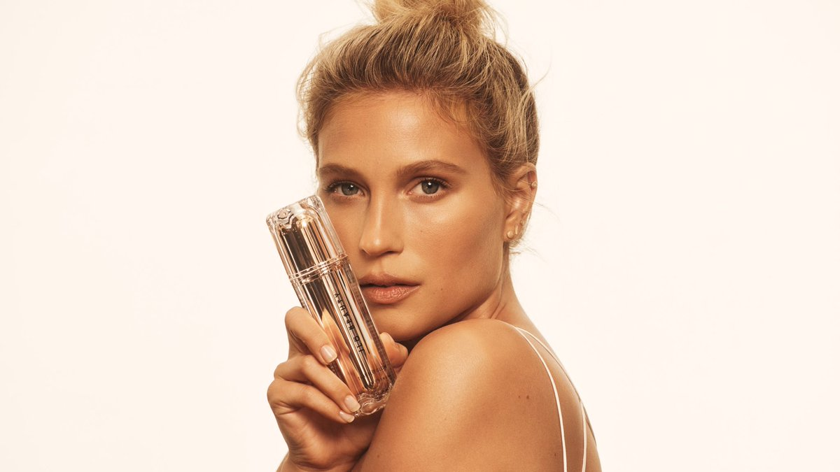 She's got THAT JLO GLOW… literally. 😉  After an 8-week clinical study, users saw 100% more hydrated and smoother-looking skin.  Glow 👏 Get 👏 It. 👏 #JLOBEAUTY  Shop now: