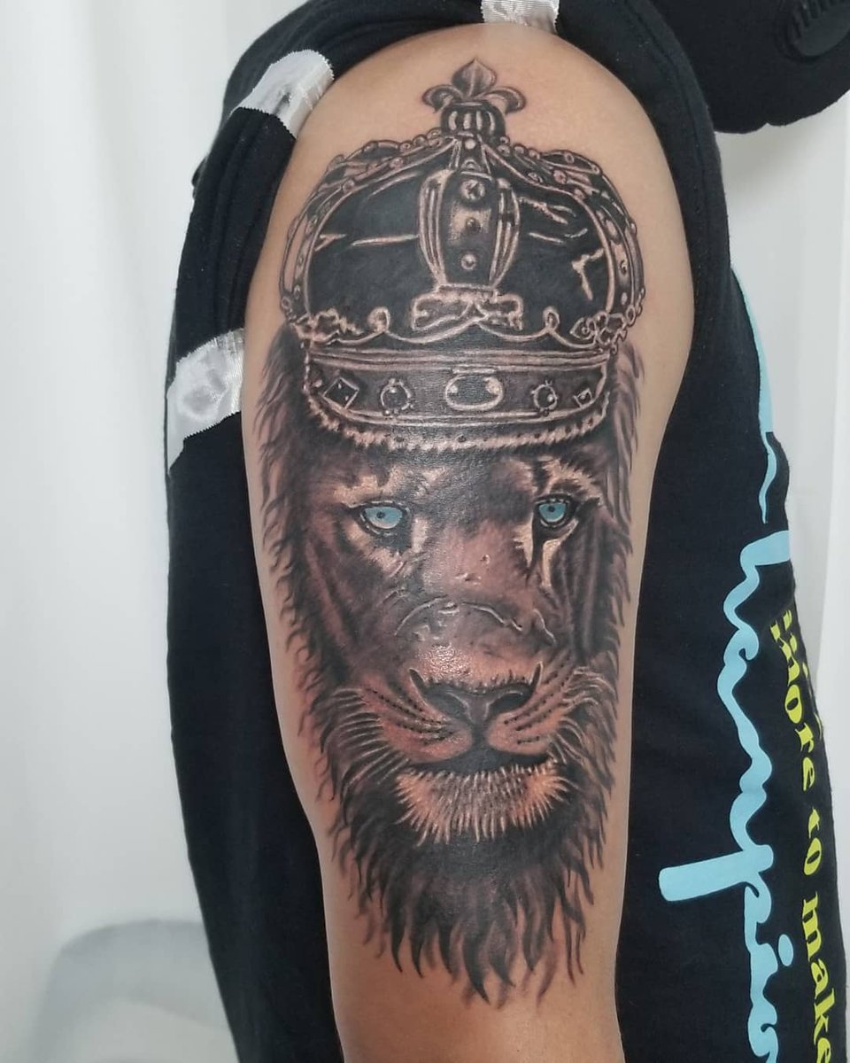 The king of the Jungle.   By Roge.   #lion #liontattoo #crown #lionwithcrown #king #kingofthejungle #jungle #tattoo #tattoos #tattooed #tattoolovers #tattoofiesta #duluth #georgia #duluthtattoo #tattooandpiercing #tattooartists #artist #Roge