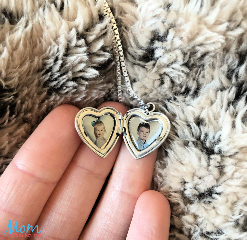 #ad Don't miss this great #GiftIdea Get The Perfect Valentine's Day Gift From PicturesOnGold. com #ValentinesGifts2021 #MomDoesReviews #review @PicturesOnGold1 - AND save 10% on your order!