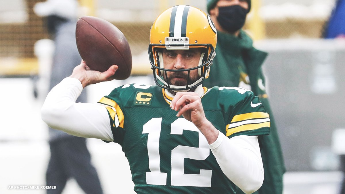 Aaron Rodgers threw his 27th TD pass in the 2nd quarter this season (+ playoffs).  Nobody else has more than 16 😳