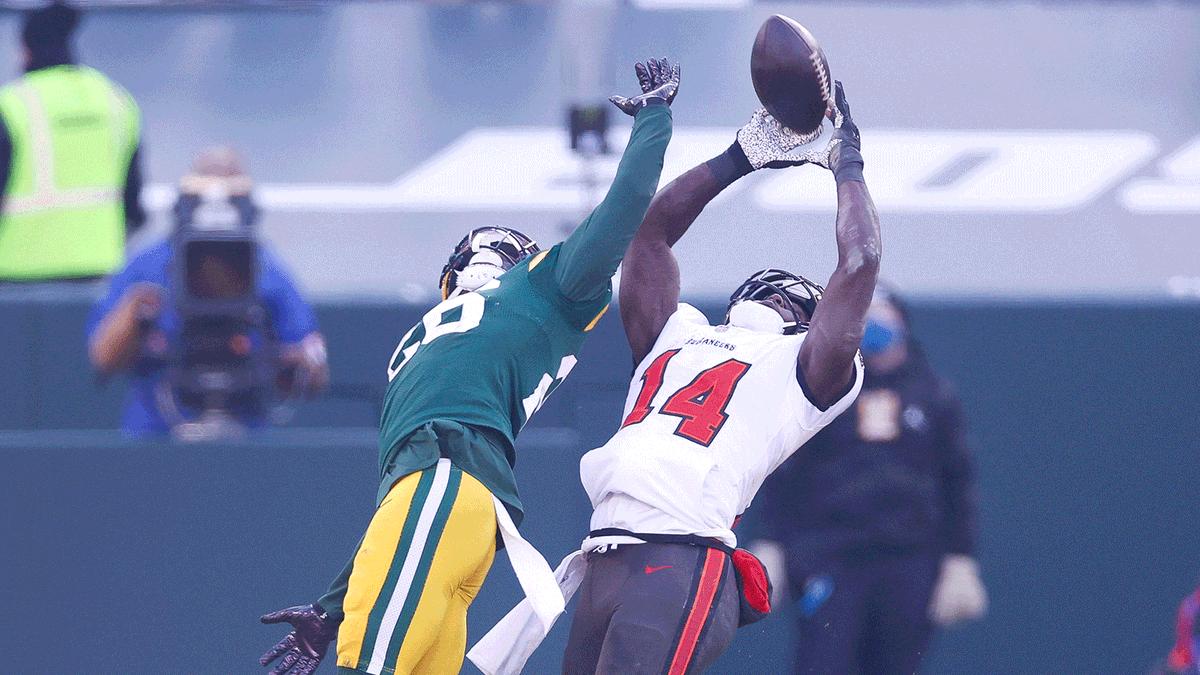 Championship grab. #NFLPlayoffs   📺: #TBvsGB on FOX 📱: NFL app // Yahoo Sports app: