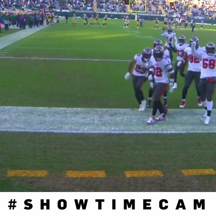 .@buccaneers dancing through the first half! #ShowtimeCam