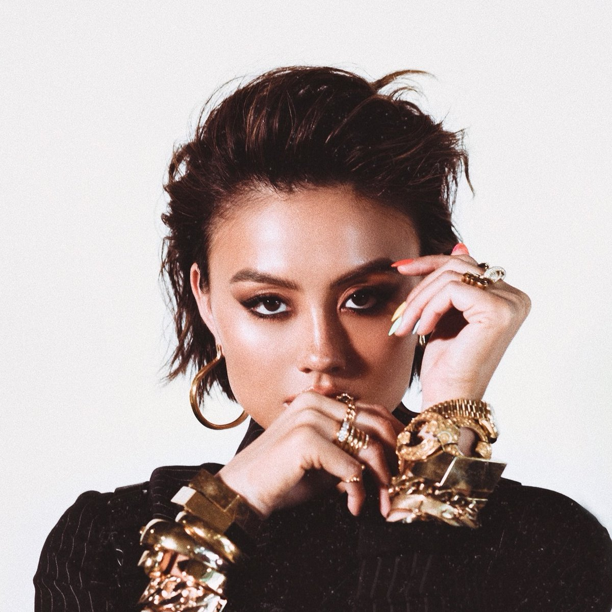 """.@agnezmo has been a top requested artist 16 times.   Request Agnez by tweeting """"Request @agnezmo @MTV #FridayLivestream"""""""