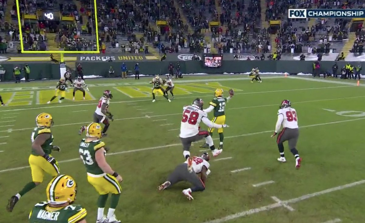 Do y'all think Aaron Rodgers could have run this in????