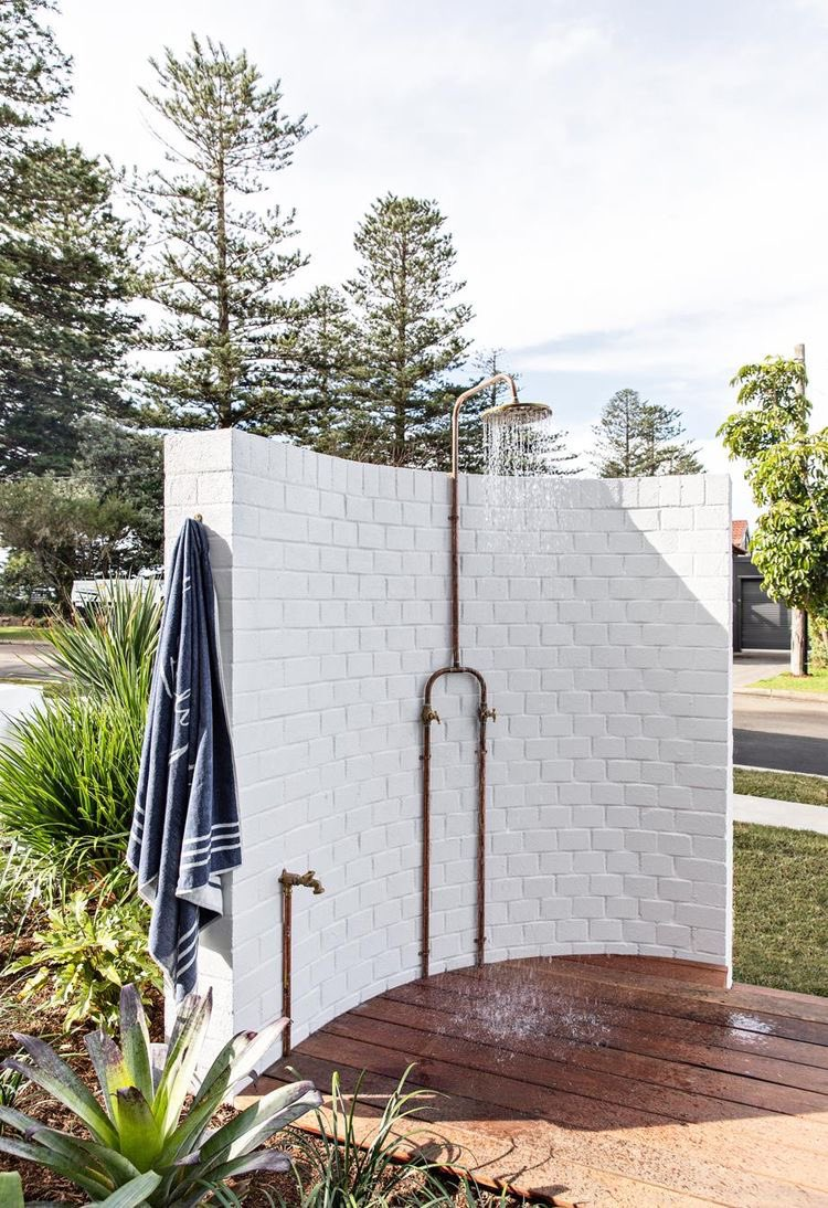 Now this is an outdoor shower I'd love to scrub up at #keenbeanscrub #letsgetscrubbing #skincare #skin #scrub #exfoliate #outdoor #shower #sydney #australia
