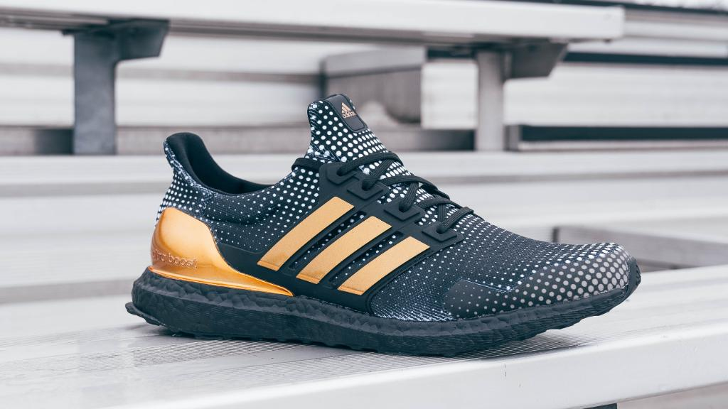To gain an edge on game day. The #adidas Ultraboost pays tribute to Patrick Mahomes with gold details. Available now online!  Shop: