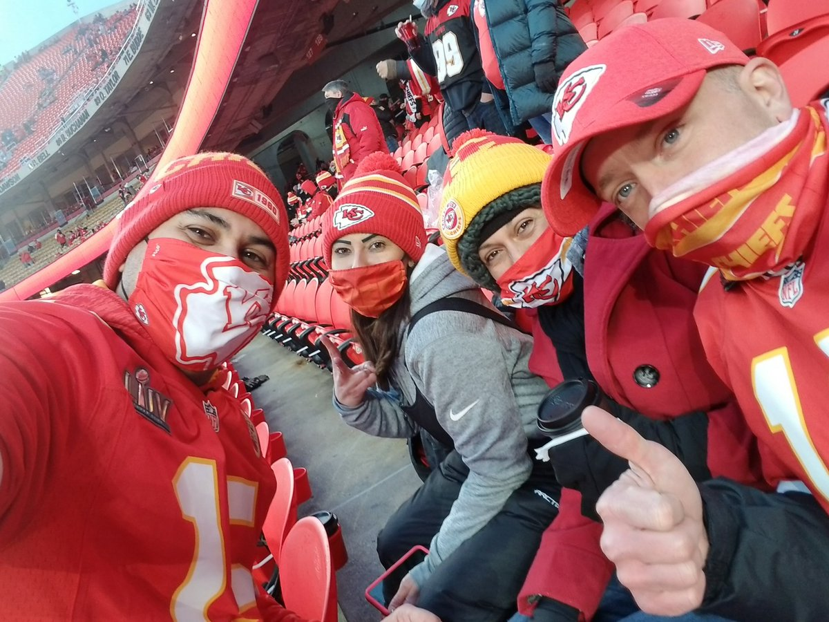 Just another Sunday Funday...no big deal, just another day for the Chiefs to #RunItBack #BUFvsKC #ChampionshipSunday #SundayFunday #AFCChampionship