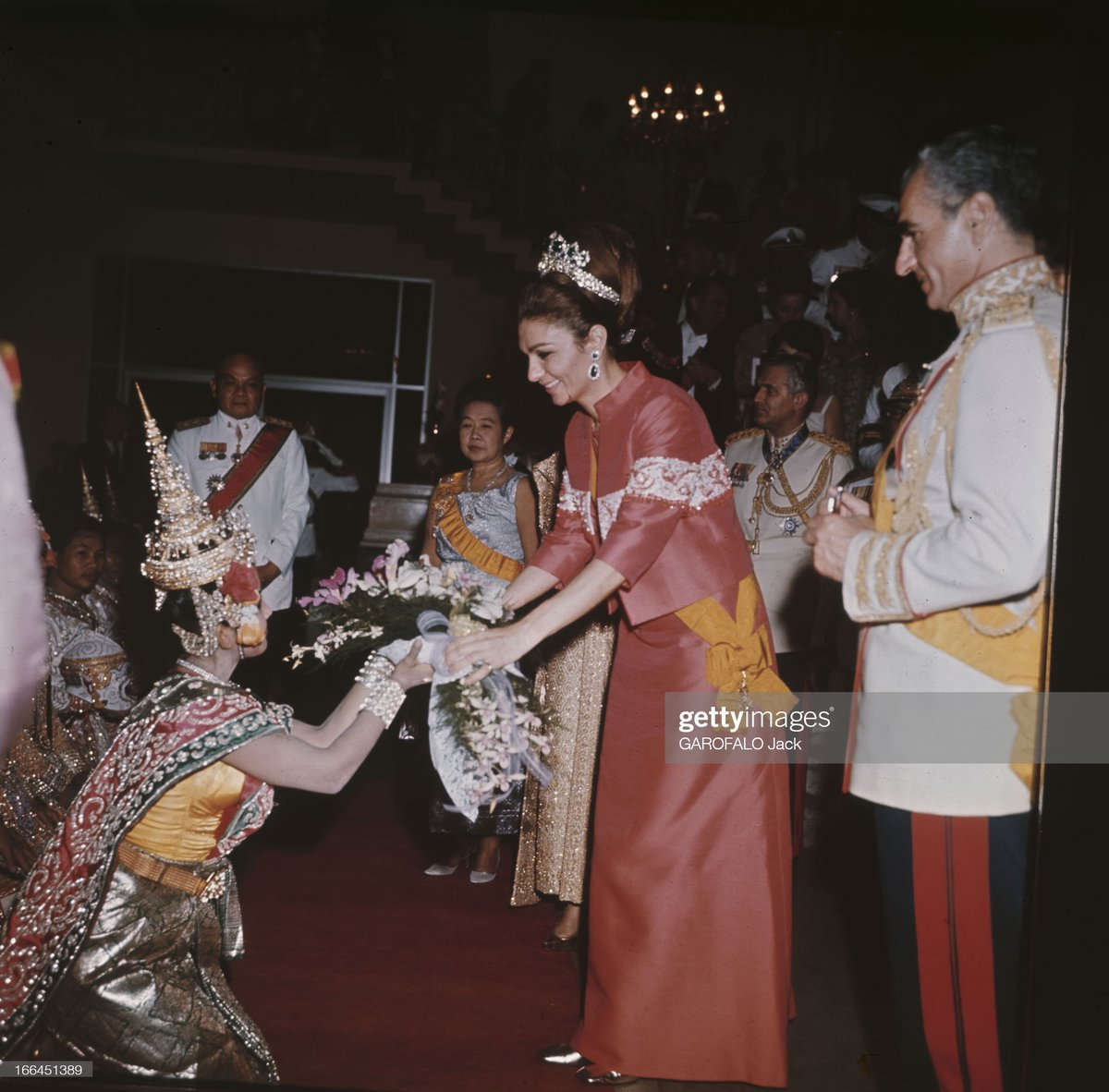 #RoyalFlashback   King Bhumibol Adulyadej and Queen Sirikit host a magnificent Banquet for the Shah of Iran and Empress Farah at the Royal Palace in Bangkok #OnThisDay in 1968, during the Iranian State Visit to Thailand: