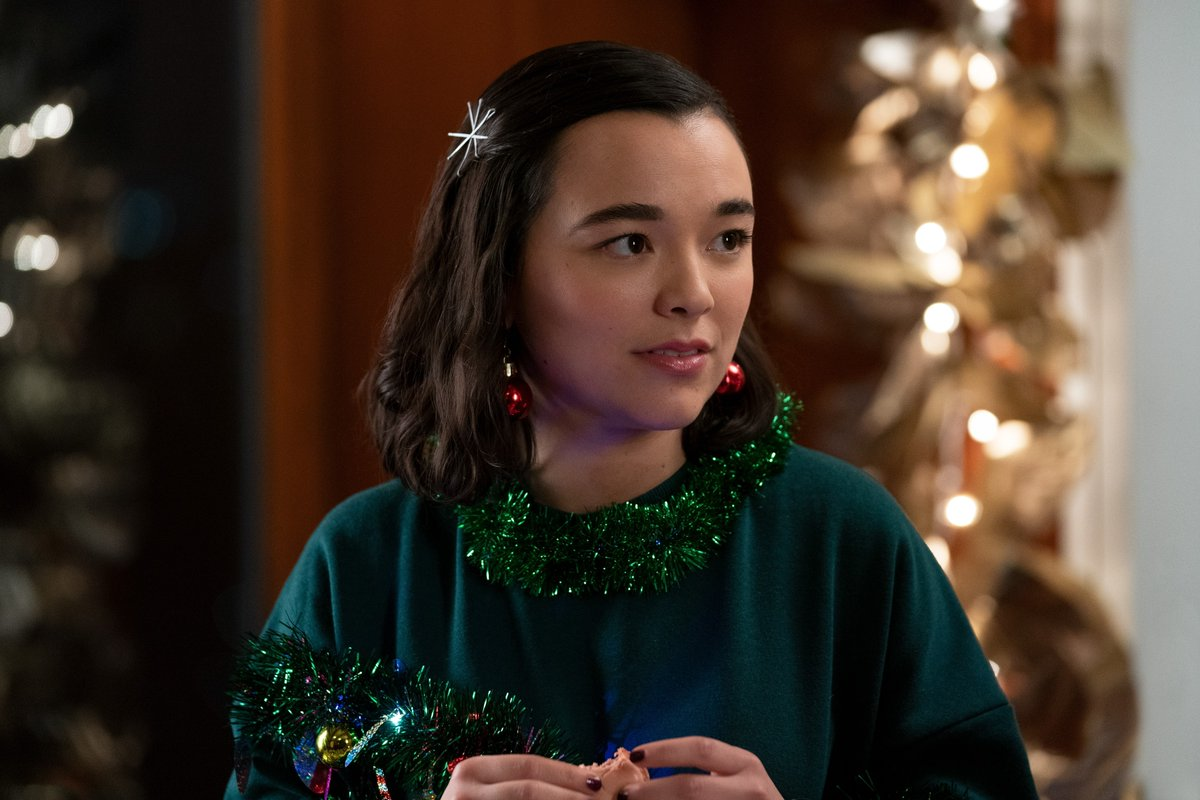 "Dash & Lily || 1x06 ""Christmas Eve"" stills HQ:   #DashAndLily #DashAndLilyNetflix #DashAndLilySeason1"