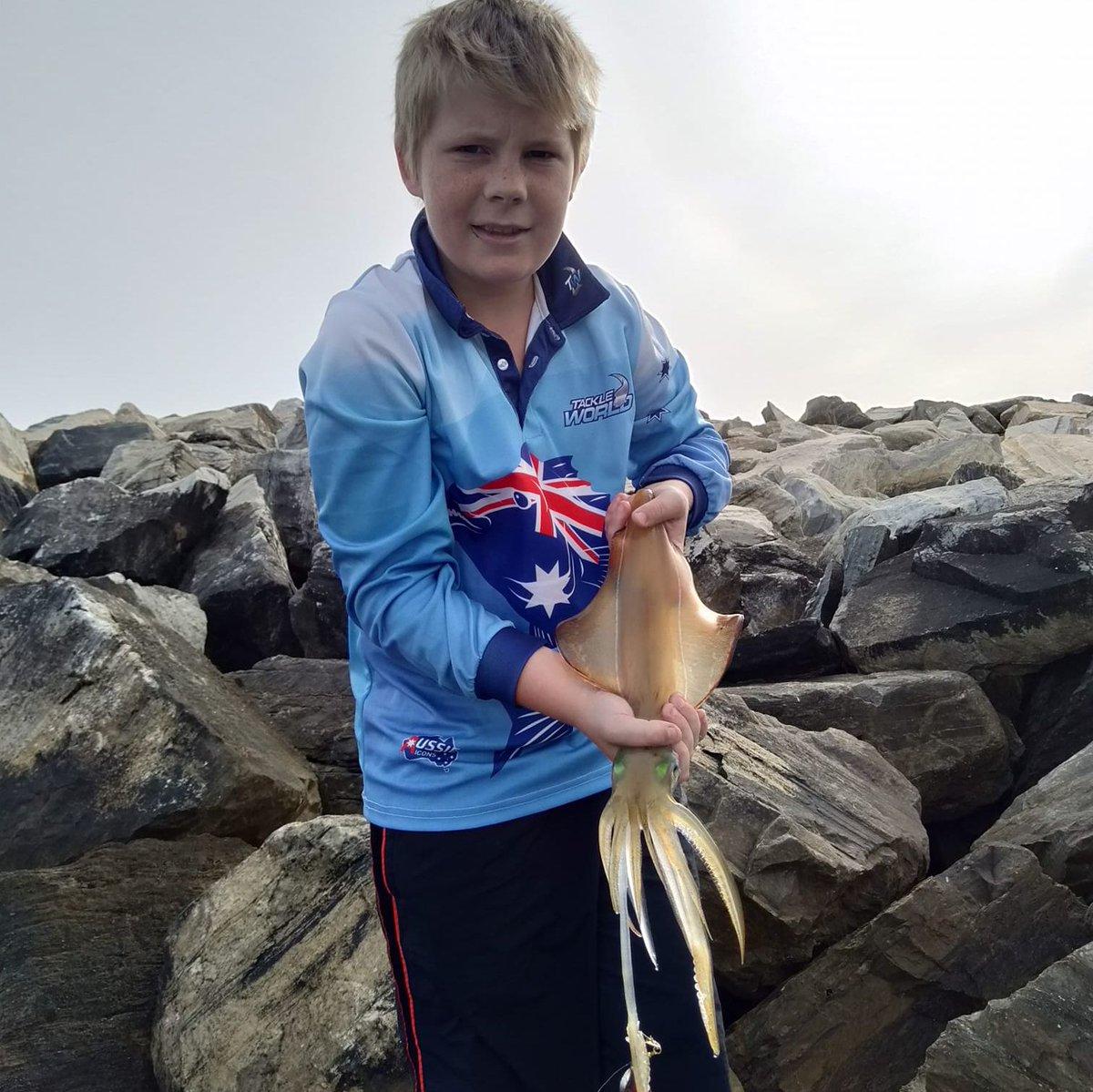 Squid fishing Wirrina Breakwater in South Australia.  #fishing #fishingaustralia #australianfishing #outdoors #squid #squidfishing