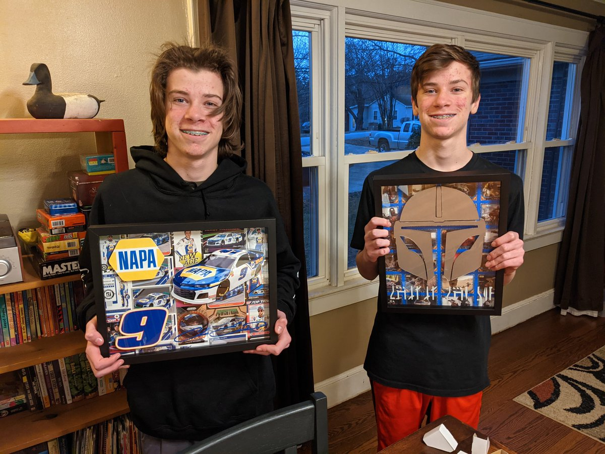 My boys turned 14 yesterday 🥳! What do you get for a gift when you are a CCE offspring? What else??!!  Thanks to @AndrewOGara11, @JfkCards, and @NascardRadio for helping me out with the Chase Elliott cards!