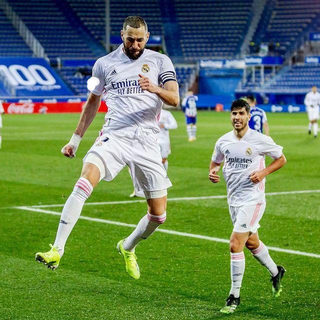 Karim Benzema está temporada en el Real Madrid 🔥🔥🔥  📅 24 Partidos ⚽️ 15 Goles 🅰️ 5 Asistencias  #RealMadrid #Benzema #rmalive #RMFans