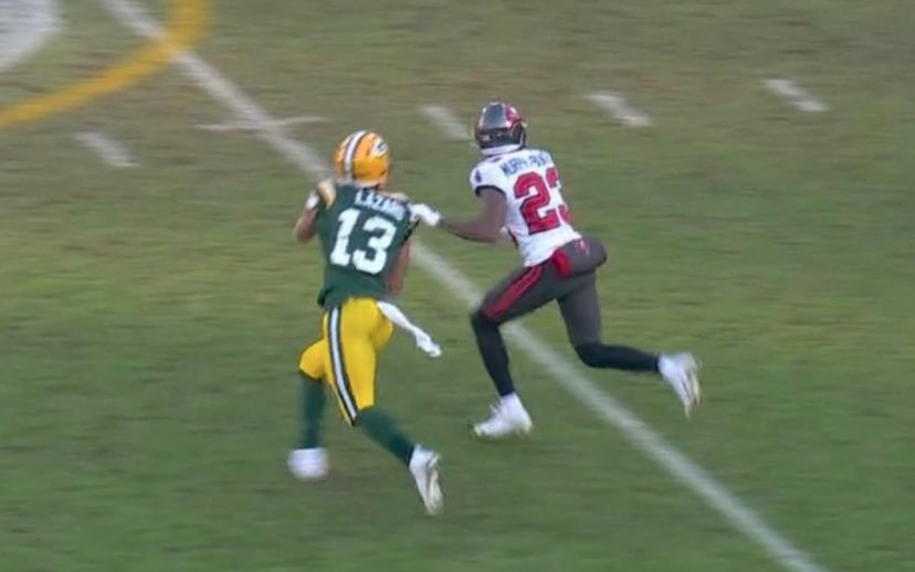 One of my biggest issues with this game. One of these was called DPI and the other wasn't. But remember the #GreenBayPackers get all the calls right? #BucsVsPackers #GBvsTB #NFCChampionship #Bullish #NFCChampionshipGame
