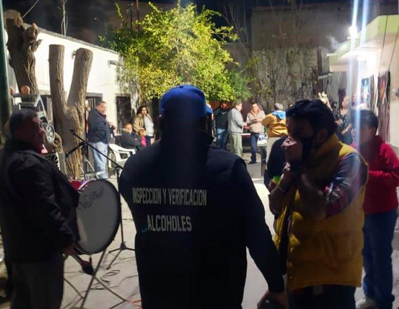 Torreón mantiene Cero Tolerancia ante el COVID-19 https://t.co/1H1uze0qxm #Torreón #Saltillo #Coahuila  @POpiniones @felixreojasfoto @depoliticaymas_ #TorreónCiudadEnEquipo  @JZERMENOI #FelizDomingo #EnEquipoLoHacemosMejor https://t.co/OchJEUtr2f