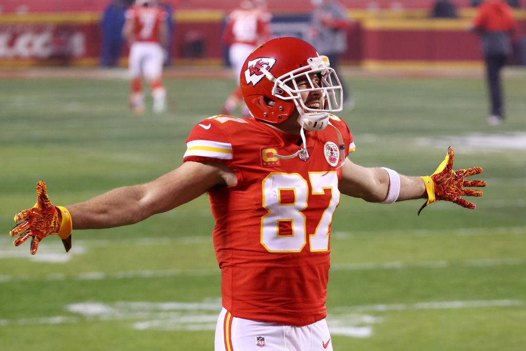 Travis Kelce adds another record to his list.  Kelce becomes the FIRST tight end in NFL history with 5 postseason games of 100+ Rec Yards.