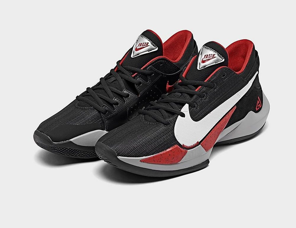 #ad The Nike Zoom Freak 2 'Black/White/University Red' is now available via @FinishLine for $110! (use code NEWYEARWHODIS - retail $120) #SneakerScouts #AFCChampionship @Giannis_An34 @Nike