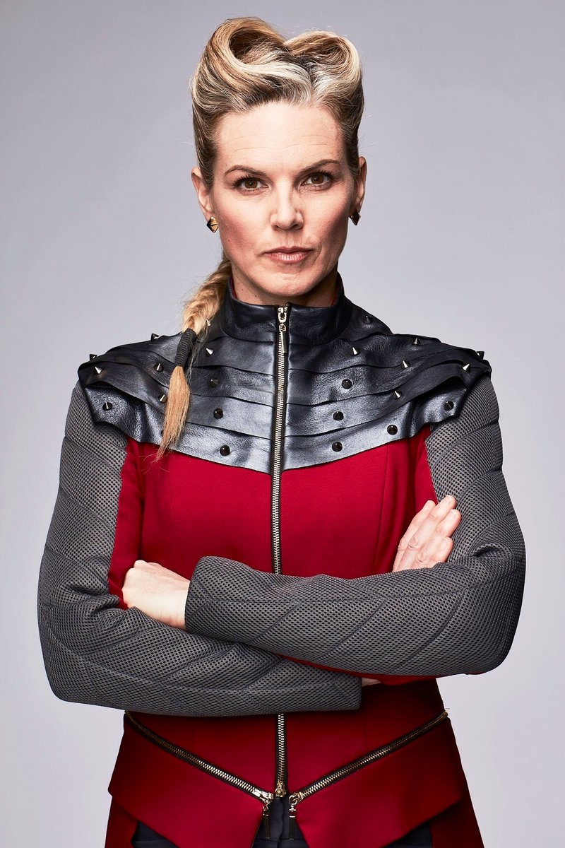 I'm not saying we're twins but I AM saying that the fierceness of @kateesackhoff & me together... would be just...well... extraordinary.  What do you all think?💥 Also, I've been manifesting this for years...it's time. 💪🏼 #doubleKate @Jon_Favreau @themandalorian @disneyplus
