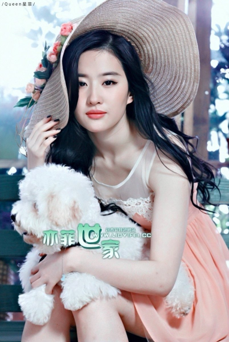 She is as lovely as a blossom in sprout! Liu Yifei🌷劉亦菲🌷刘亦菲🌷Mulan🌷花木蘭🌷花木兰🌷Crystal Liu #Mulan #liuyifei #劉亦菲