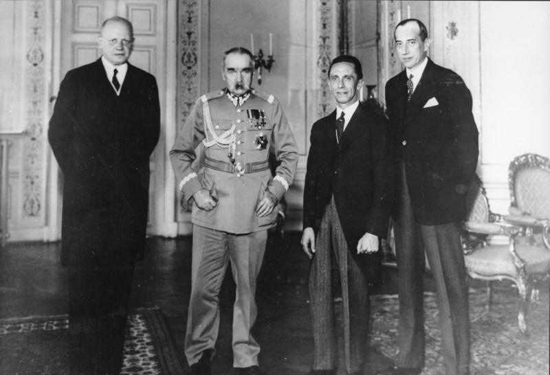 26 Jan 1934: Nazi #Germany and Poland sign a 10-year non-aggression pact. #Poland became the first country to form such an alliance with Germany after Adolf Hitler took power just a year before. #WW2 #WWII #history #HistoryMatters #OnThisDay #ad