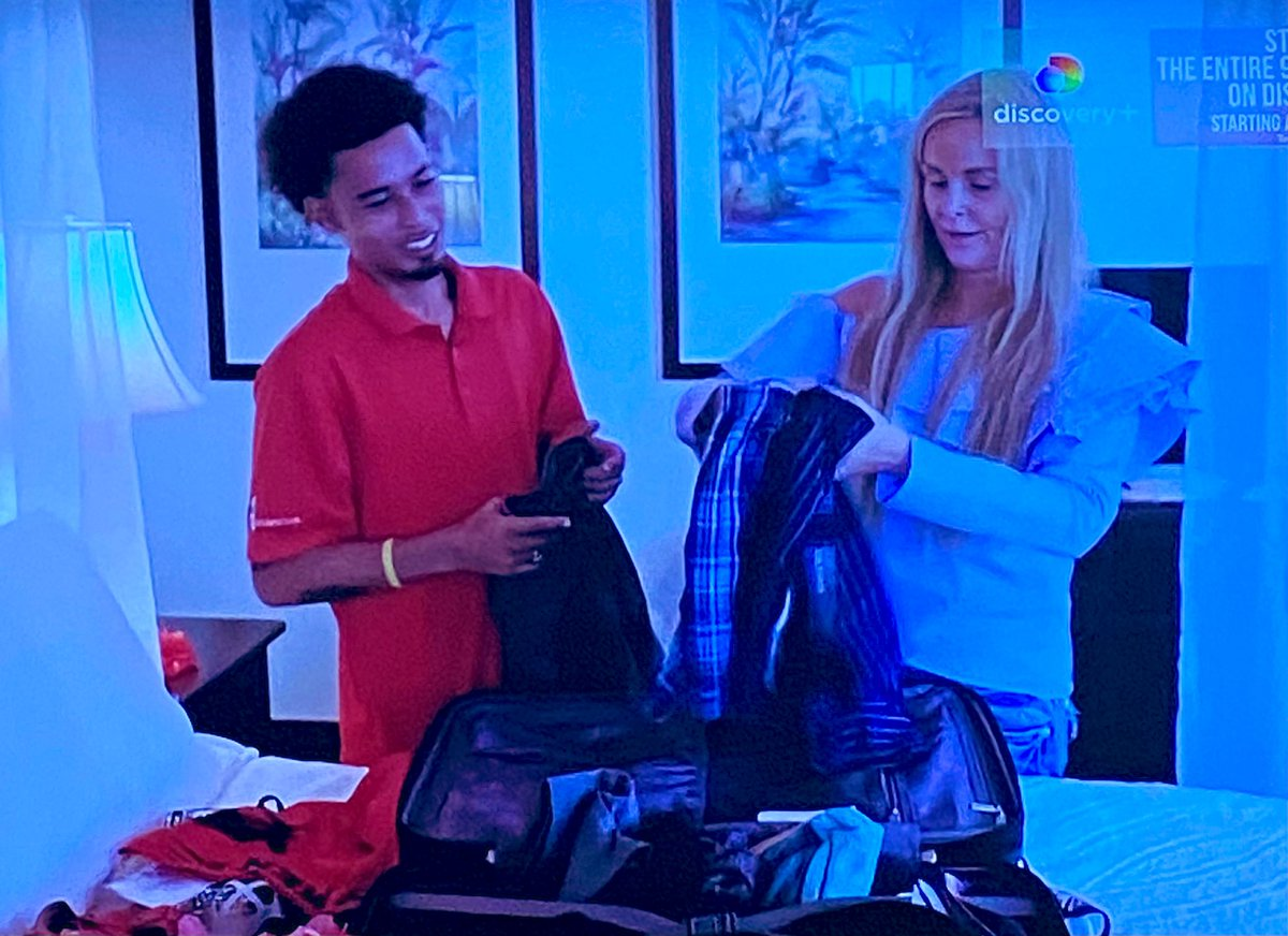 So sweet of Stephanie to go back-to-school shopping for Ryan. 🥰 #90DayFiance