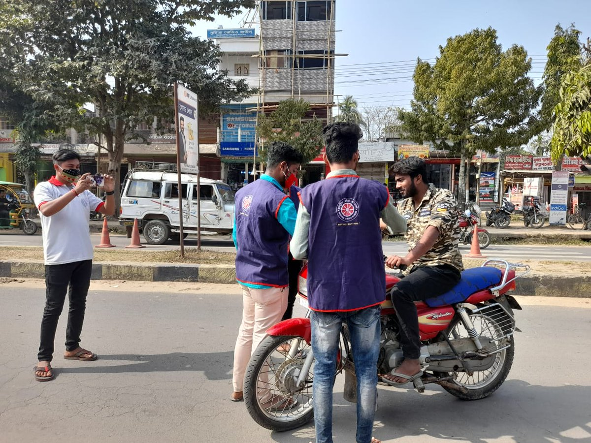 Road Safety Awareness at Teliamura town Organised by Open NSS Unit khowai District, Tripura. #roadsafetyweek @_NSSIndia @YASMinistry @pibyas @PMOIndia