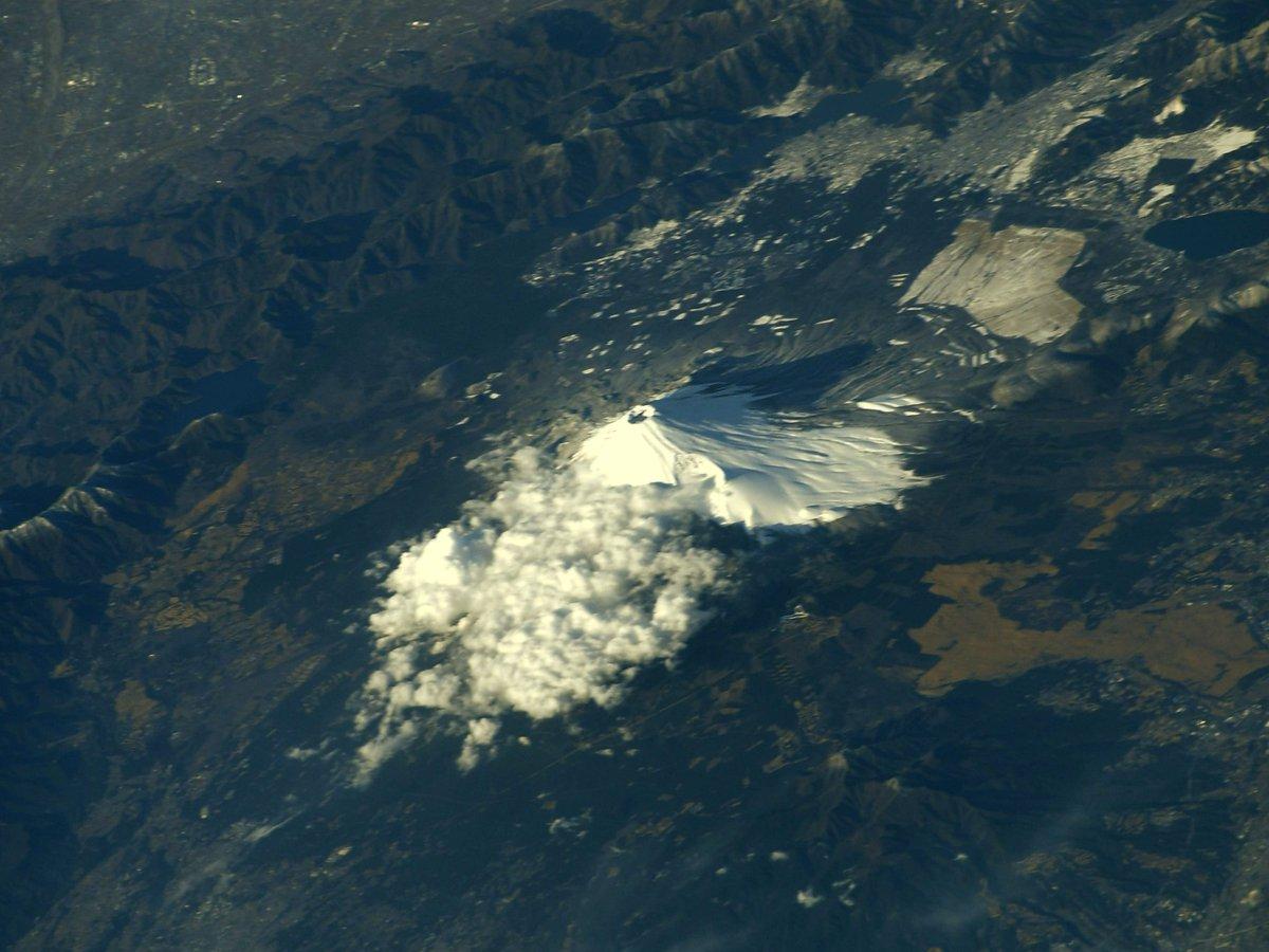 1月25日夕方、雪化粧した #富士山 Mt. #Fuji after snowfall