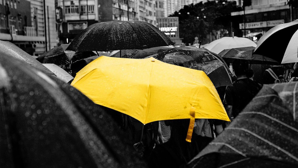 In the early 1750s Jonas Hanway returned from a trip to France and began carrying an umbrella around the rainy streets of London. Strictly taboo, Hanway was met with frequent abuse; particularly from carriage drivers... Read why here:   #Offsite #Lemons