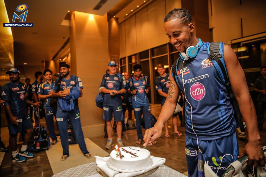 The fastest batsman to reach 1000 runs for MI 🙌  #HappyBirthday, Lendl Simmons 🎂  #OneFamily #MumbaiIndians @54simmo