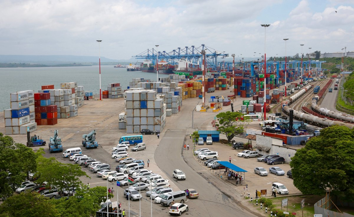10 Ships Dock At Mombasa Port As Business Picks Up @dailynation:  #Kenya #shipping #containers #trade #economy #Mombasa