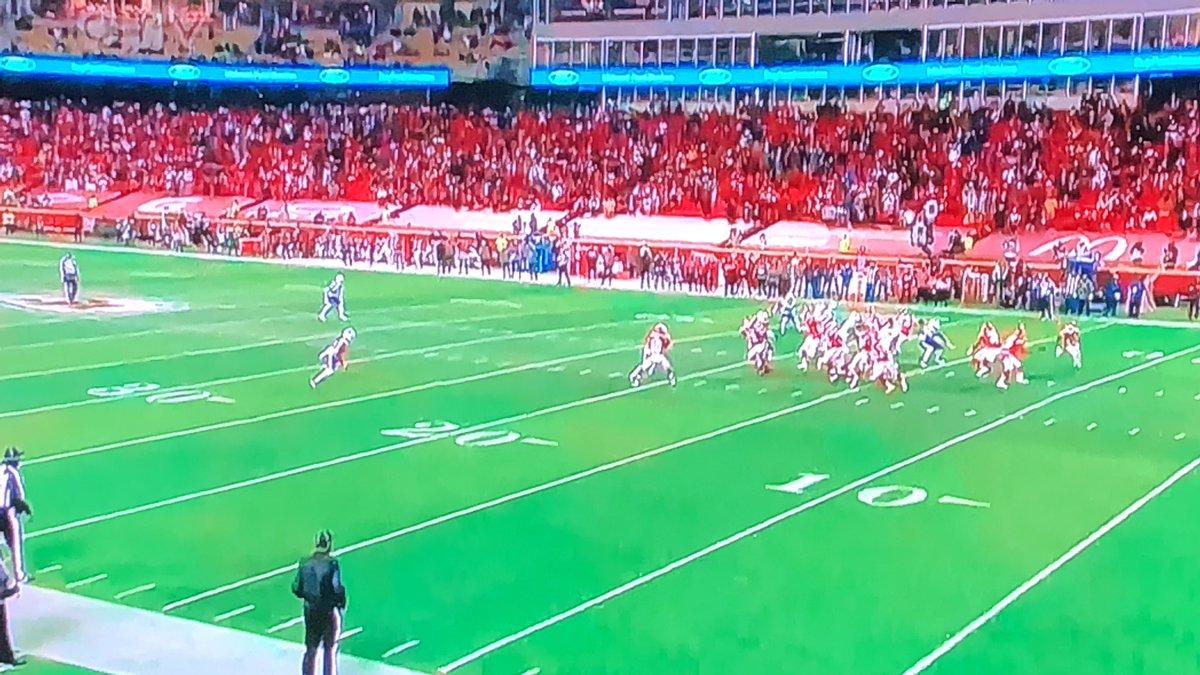 #NFL 🏈 #Bills #Chiefs  Los #JefesDeKansasCity avanzan al #SuperBowlLV después de que QB Mahomes con estilo supo sacar el partido al ganar 38-24 a #BillsMafia   #SuperBowlLV  #GoBucs #ChiefsKingdom  🏈  #NFLPlayoffs2021 #NFLPlayoffs  #NFLTwitter #NFLRedZone 🇺🇸