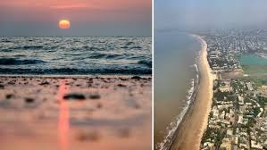 Known for its gorgeous sunsets, Juhu beach is a popular spot among tourists and locals alike. Also offering a wide variety of street food, Juhu beach is a definitely a #MustVisit.   @mybmc #NationalTourismDay