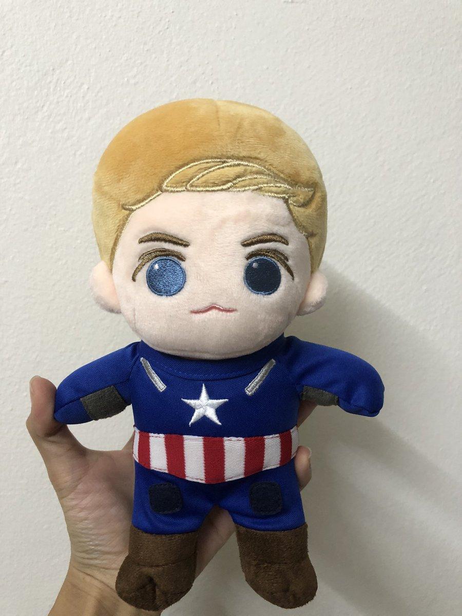 ขอส่งต่อ ตุ๊กตา Captain America 20cm สภาพมือ 1 เลยค่ะ แกะมาถ่ายรูปเฉยๆ   ส่งต่อ 1,100 บาท *ชุด+โล่ 2 แบบ*  📦ค่าส่ง j&t 50 ฿  #ตุ๊กตาด้อมหนัง #ตลาดนัดมาร์เวล #ตลาดนัดmarvel #ชุดตุ๊กตา #ตุ๊กตา20cm #ตุ๊กตาด้อมฝรั่ง #CaptainAmerica #marvelthailand