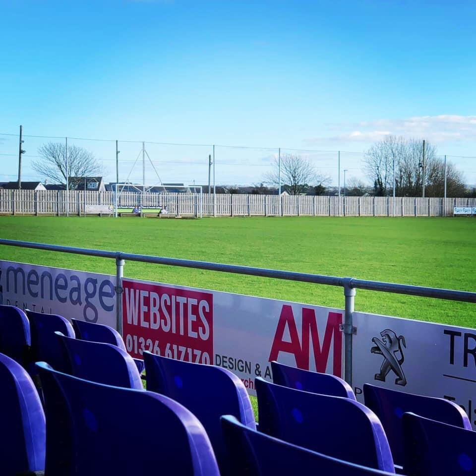BALL RETENTION NETTING SYSTEM:  Chairman @Hobo1965 has been IMPROVING Kellaway Park again by organising this project:   280m of 6m high Netting installed on 3 sides to reduce risk of traffic accident and reduce neighbour nuisance.   #COYB #communityclub #loveourclub 💙💙💙