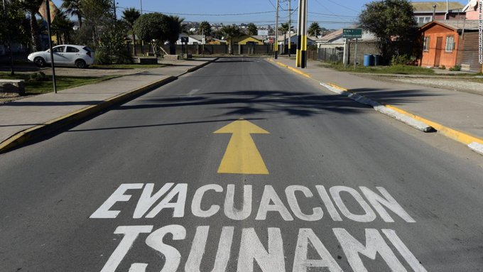 Chile triggers national panic by mistakenly sending tsunami warning after quake Photo