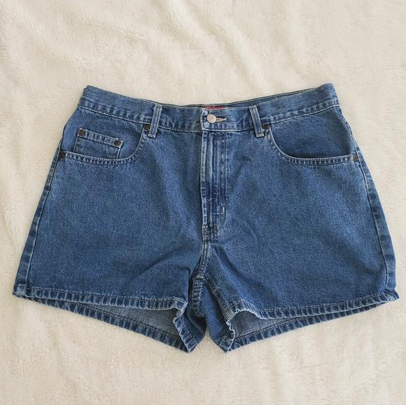 So good I had to share! Check out all the items I'm loving on @Poshmarkapp #poshmark #fashion #style #shopmycloset #oldnavy #hm #lifestylesresortwear: