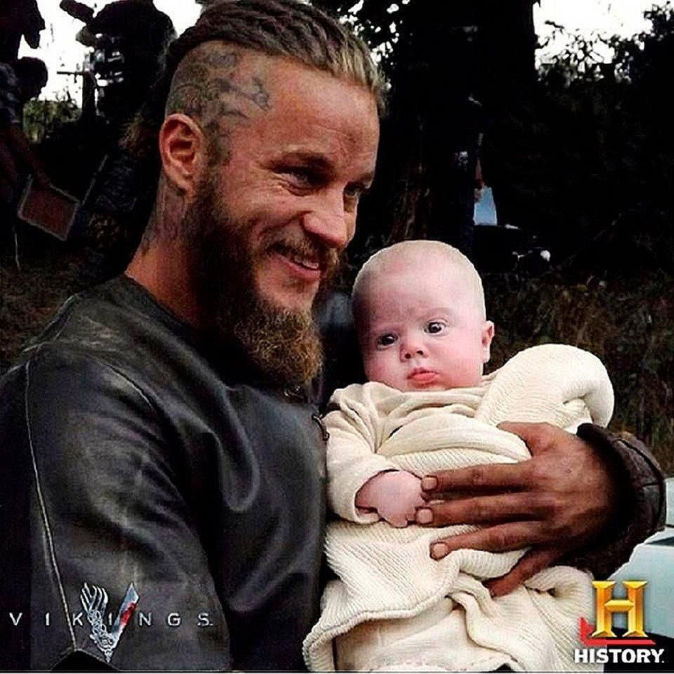 #Vikings #RagnarLothbrok #BehindtheScenes Have a wonderful day!
