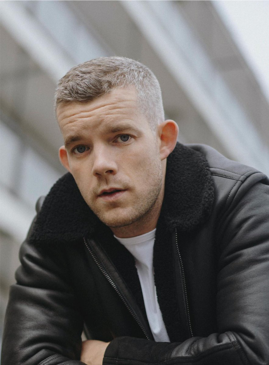 The fourth writer for #ConnectingTheLetters 🏳️🌈 is the one and only @russelltovey!  Actor, Art enthusiast, Author, LGBT+ Advocate...yup, we love him.  Sign up to receive a personalised letter from Russell and support @Stonewallhousin for #LGBTHM2021