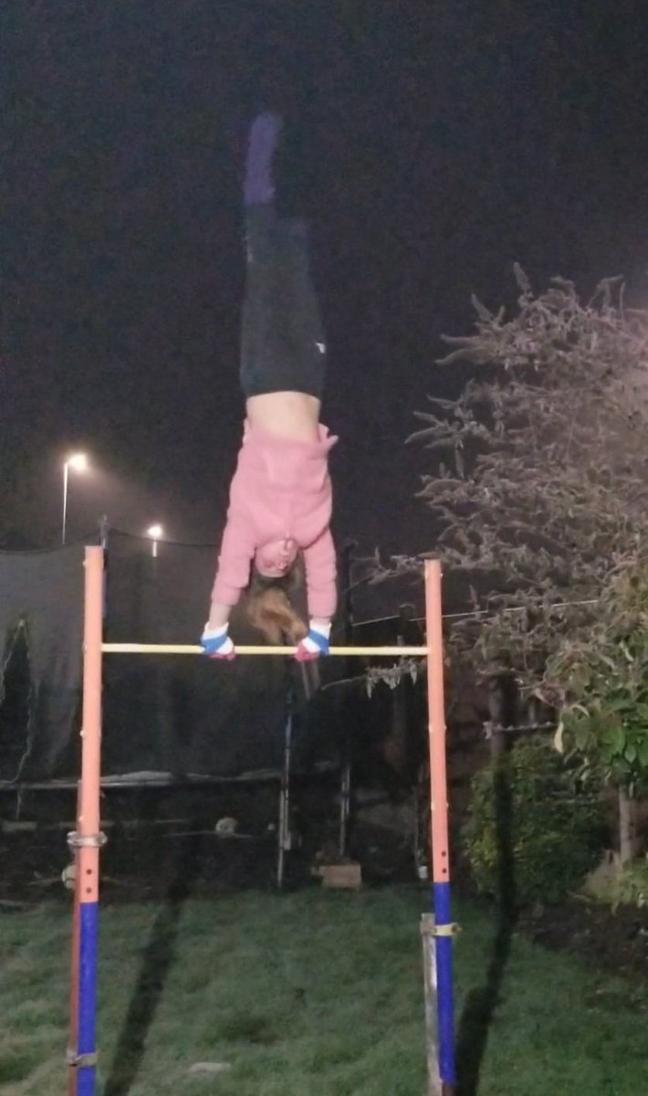 Our first student #healthyselfie entry of this week is in and it's a spectacular one...  Here we have Cadie performing some impressive gymnastics to stay active! Great work!  #proud #teamwigston 👏💪👍