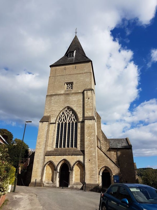 Can you believe I forgot Stroud? Yep, *my* #Gloucestershire #ArtsandCrafts #Cotswolds #churches? Here's the one I can see from my window, All Saints, Uplands, by Temple Moore: not A&C but bear with me... Begun 1907-10, finished by his son Leslie, 1929-32, who built the tower.
