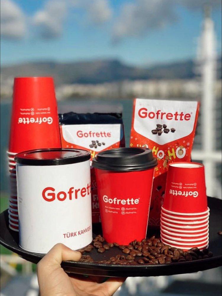 Yeni bir haftaya mis kokulu merhaba!   Hello to a new week, fragrant!   #izdeniz #tıpkıgofrettegibi #gofret #gofrettegibi #kahve #latte #coffee #coffeetime #coffeelover #izmir #vapur #alsancak #karşıyaka #göztepe #konak #instalove #izmir #türkiye
