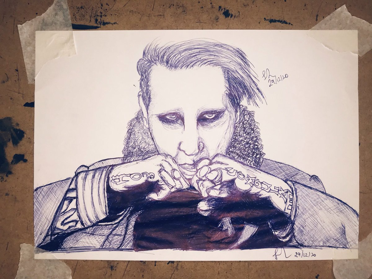Day 30 of tweeting @marilynmanson until he notices meeeeeee!  Here's some #fanart I did of #marilynmanson...   It's not baaaad but I shall try again: