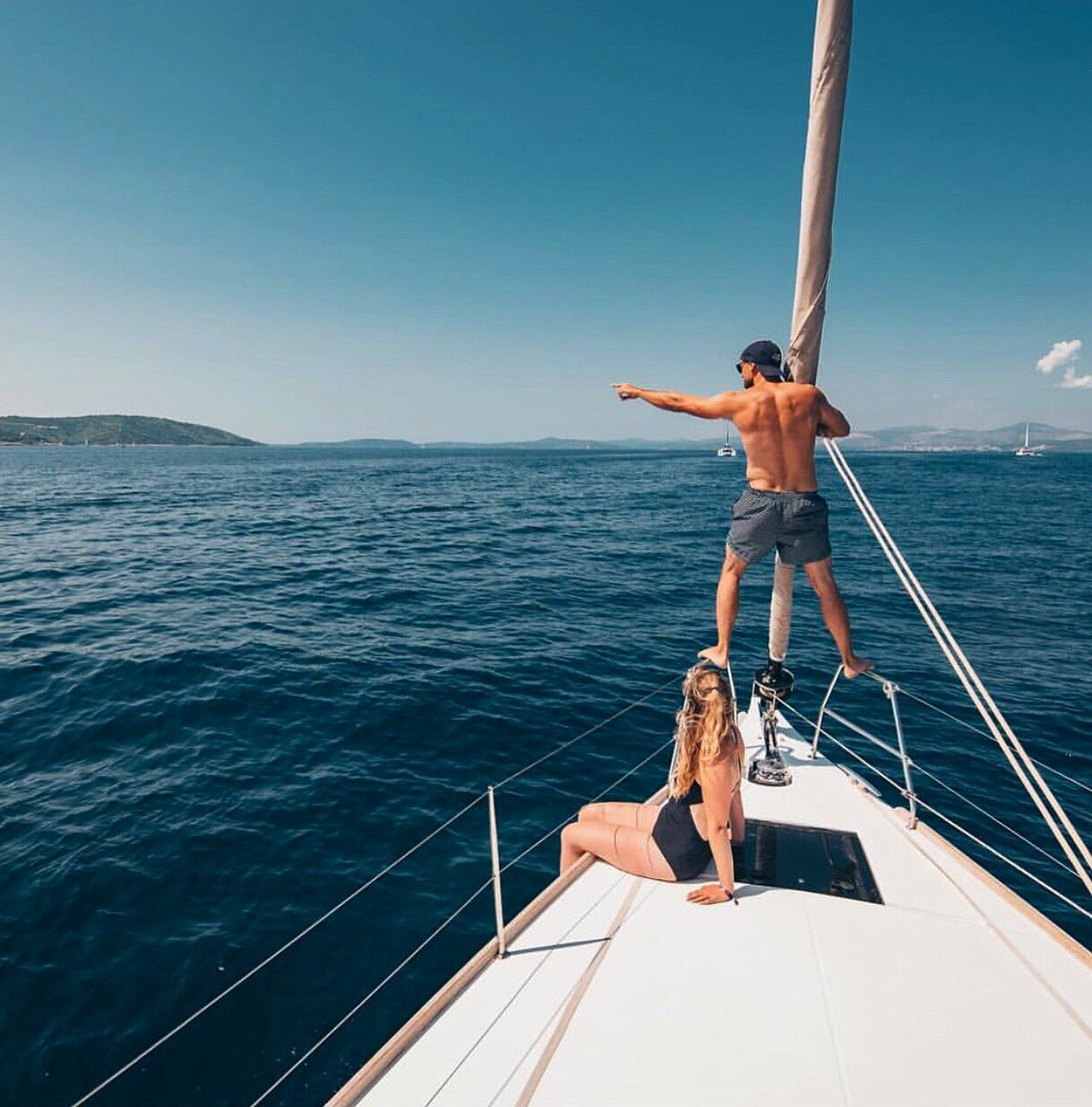 Select a route, plan, and sail. ⚓️ Wind is blowing towards the summer. 🌬 —— #travel #vacation #mondaysmotivation #sailor #sailing #sun #freedom #summer #feelings #sunset #summervibes #holiday #charter #oceanvibes