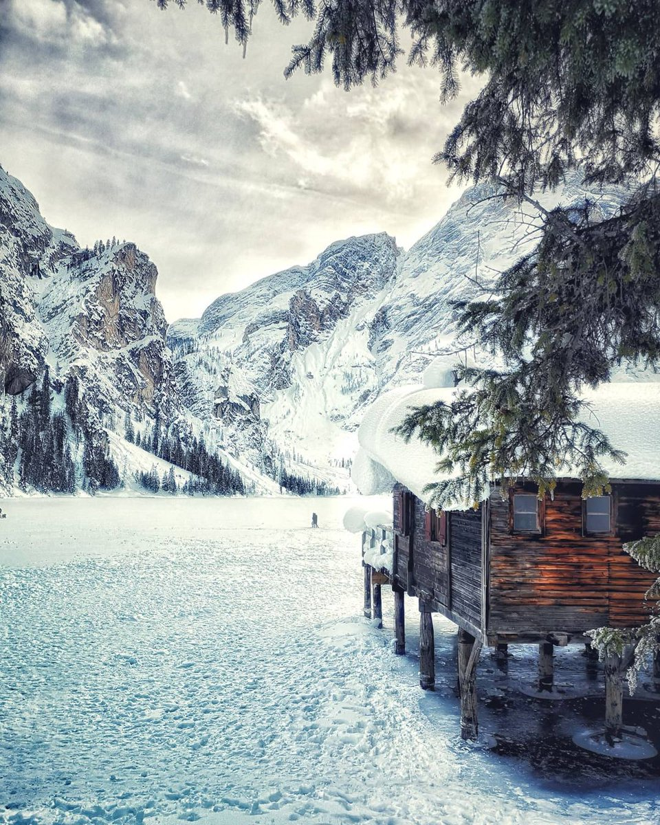 The beauty of the Alpine Pearl in winter. A daydre...