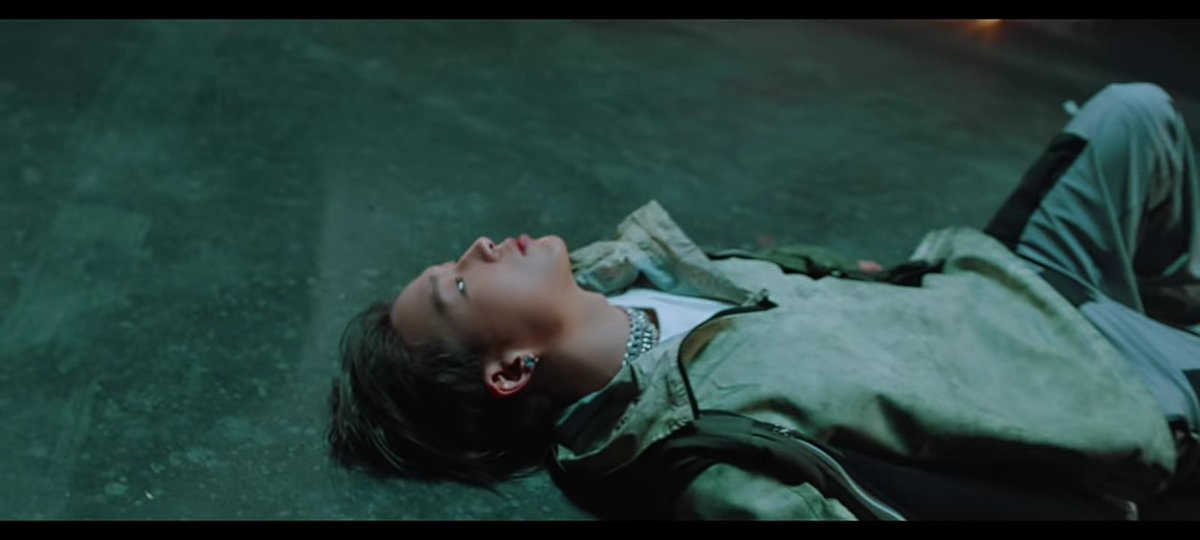 drop your last copy!  MV LINK :   BOBBY SOLO COMEBACK  #BOBBY_UMad_OutNow #바비_야우냐_지금 @bobbyranika @YG_iKONIC