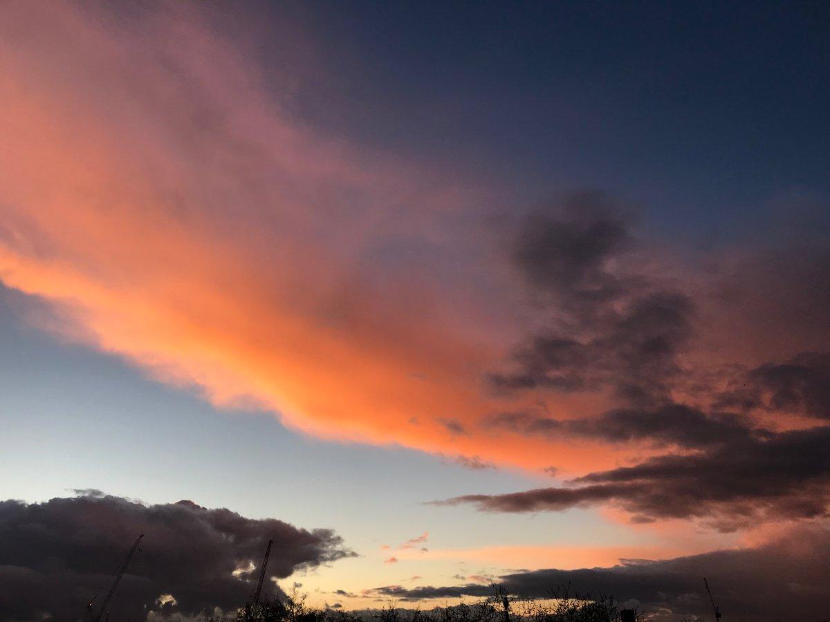 Last nights sunset #sunset #london #beauty #londonsunset #wonderfulworld #NaturePhotography