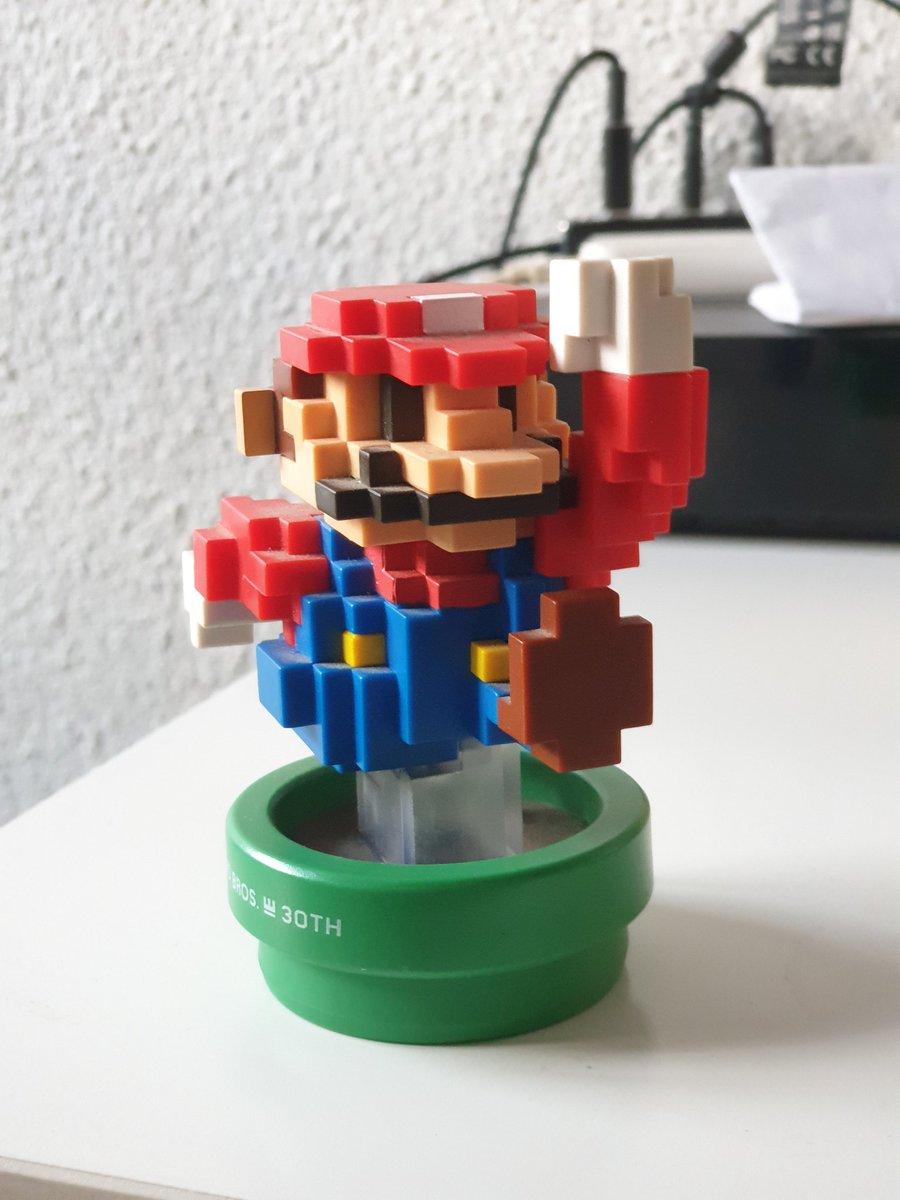 Este jueves a las 19:30 tenemos quizz temático  de #videojuegos #retro. El ganador podrá hacerse con este #amiboo de Mario. Como siempre, un cocktail gratis para la segunda posición.