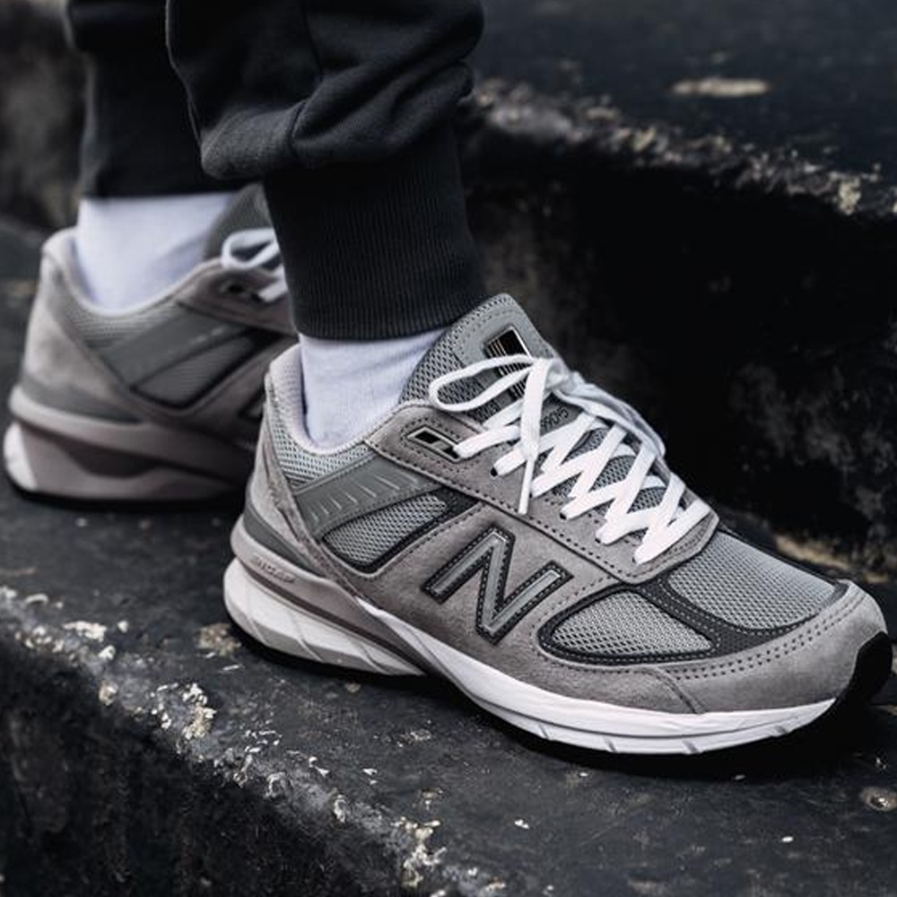 Be fearlessly independent™  in your New Balance 990v5 running shoes! How can you be fearlessly independent™ in your daily life?    #MondayMotivation #shoestorescom #running #newbalance #990v5